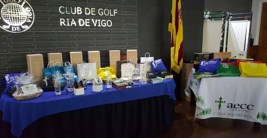 Colaboramos con la AECC Pontevedra en su torneo de golf