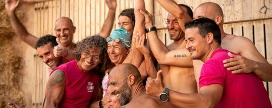 Tita Llorens consigue cruzar de Jávea a Ibiza sin neopreno